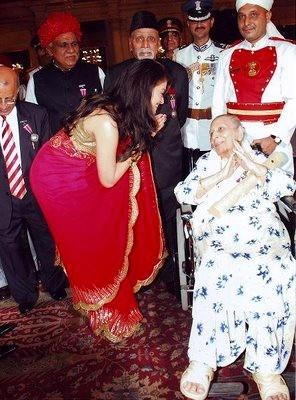 Aishwariya Rai with Shamshad Begum